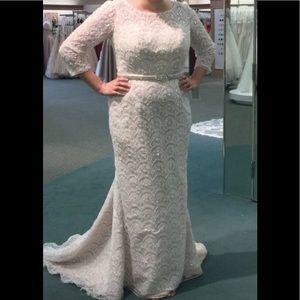 Oleg Cassini Wedding Gown